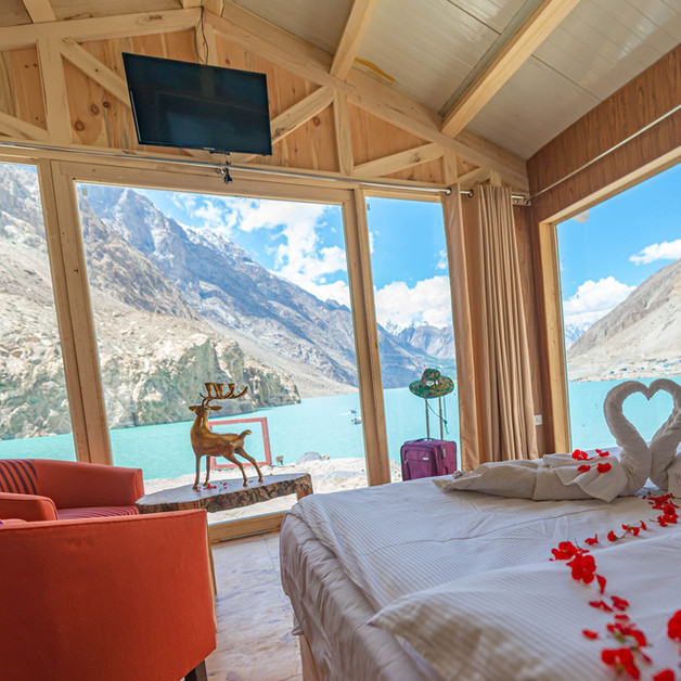 Luxus Hunza | Panoramic Lake View Chalet