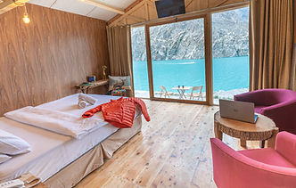 Infinity Lake View Room