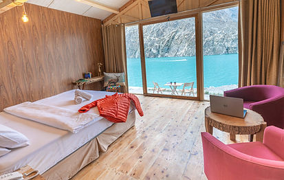 Infinity Lake View Room