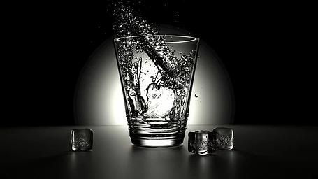 glass-2374311__340.webp