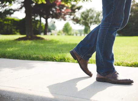 動かす感覚を確かめよう!:その1〜足を踏む時
