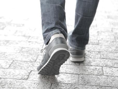 軽やかに歩くのに必要な条件:その2.歩き方(2)