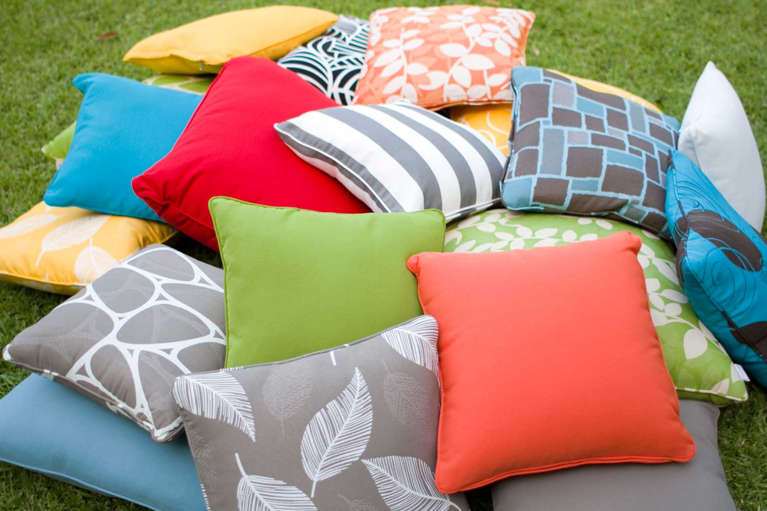 Throw-Cushion-Outdoor