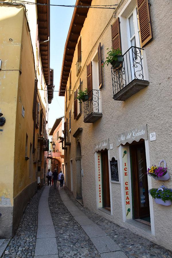 Italie Lac Orta San Giulio ruelle