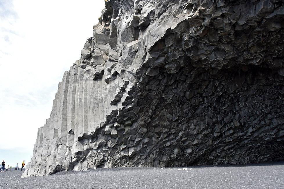 Reynisfjara Hálsanefshellir grotte colonnes basalte