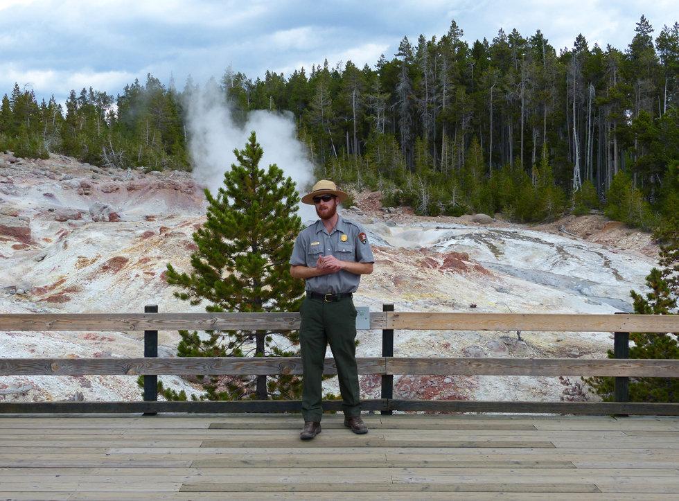 Yellowstone National Parc Norris Geyser Basin Steamboat Geyser ranger