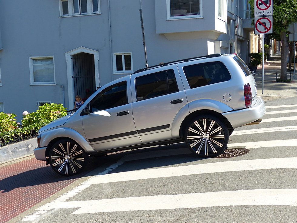 San Francisco Lombard Street suv