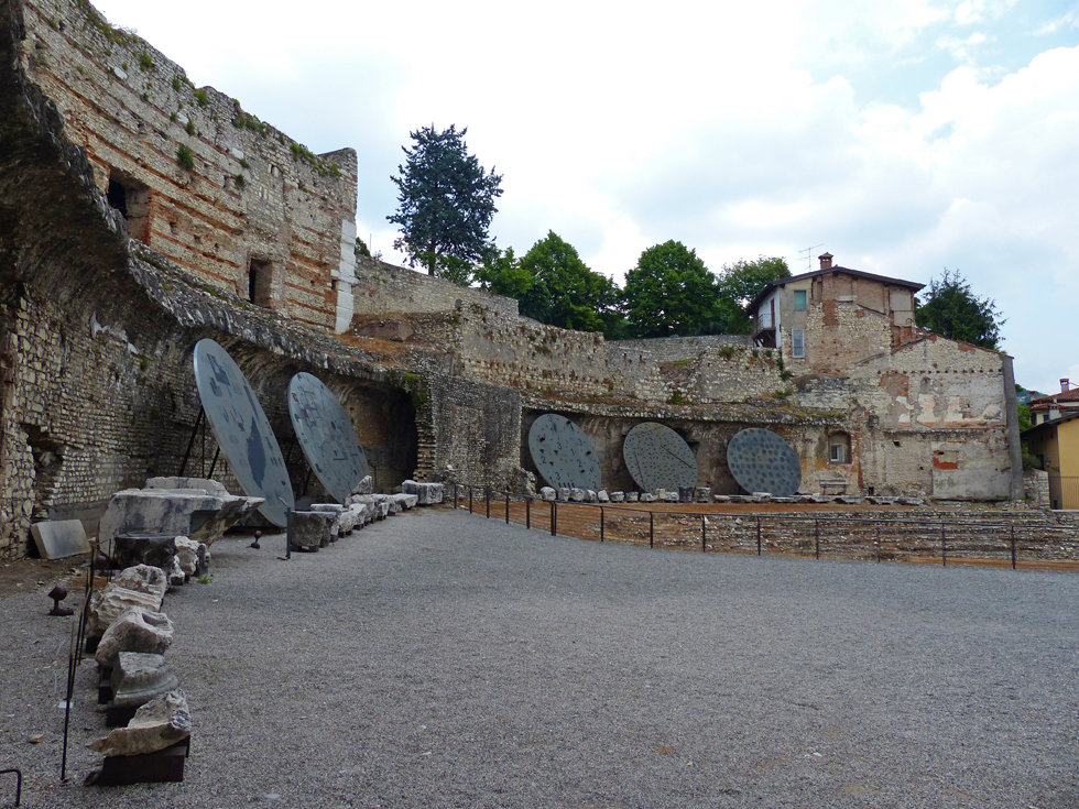 Brescia parc archéologique de Brixia amphithéatre
