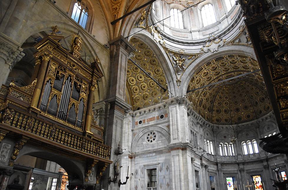 Côme Duomo interieur