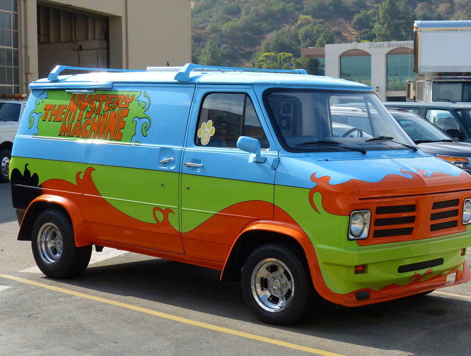 Los Angeles Burbank Warner Bros Studios scooby doo car