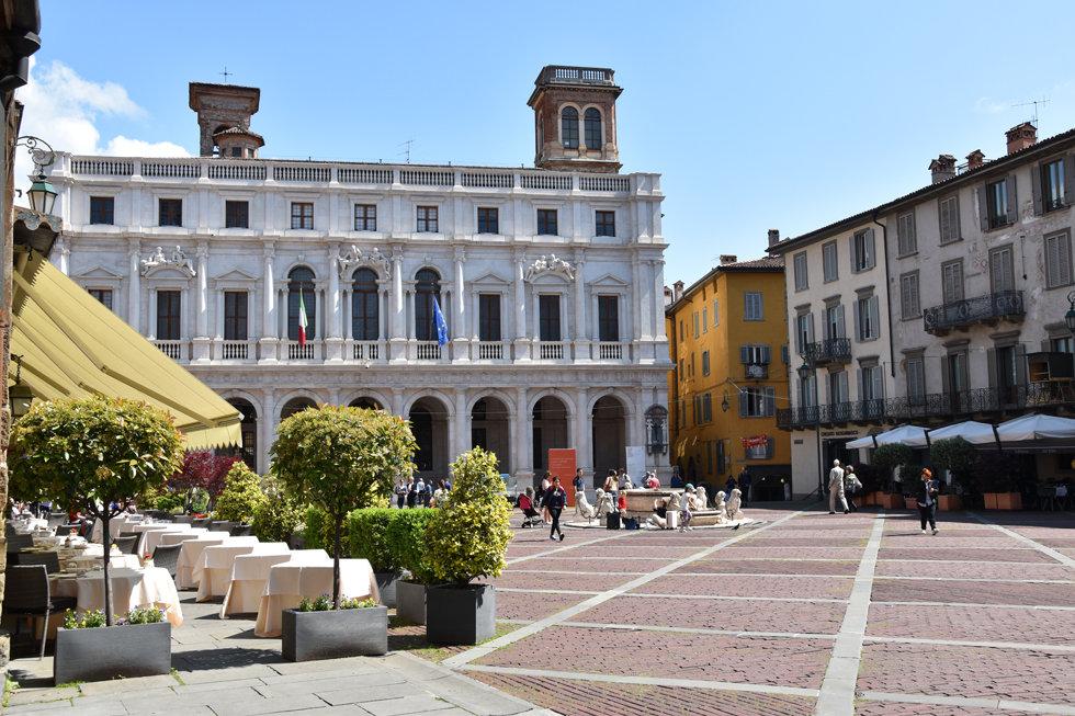 Bergame Citta Alta ville haute piazza vecchia
