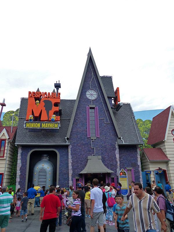 Universal Studios Hollywood Despicable Me Minion Mayhem