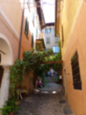 Italie Orta San Giulio ruelles