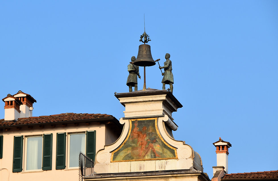 Brescia Piazza della Loggia fous des heures