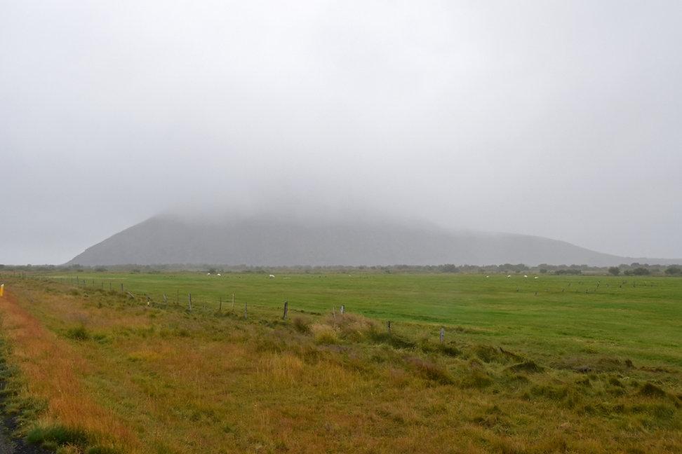 Islande iceland myvatn Vindbelgjarfjall nuages