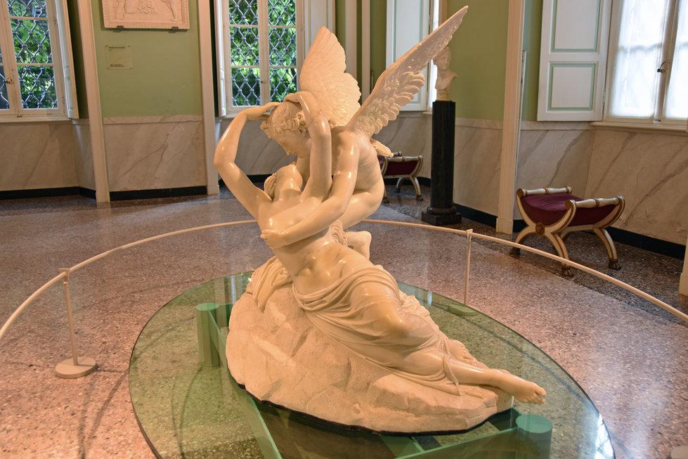 ac de côme villa carlotta sculpture amour et psyché