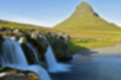 Islande Kirjufell montage église kirjufellsfoss