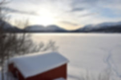 Norvège - Øverbygd - cabane - lac gelée