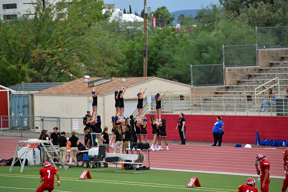 Tucson - High School - cheerleaders
