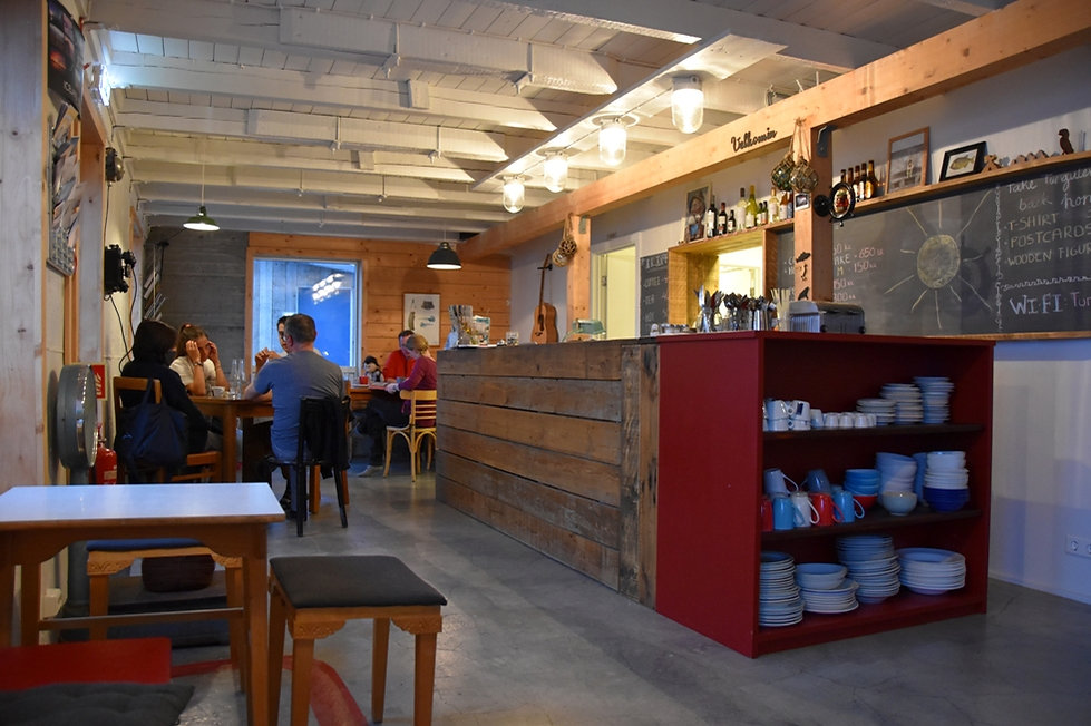 Tugulending Guesthouse restaurant bar salle commune islande iceland