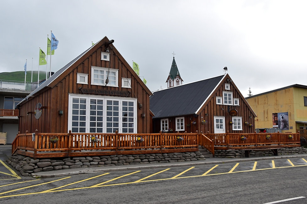 islande iceland husavik port maison bois