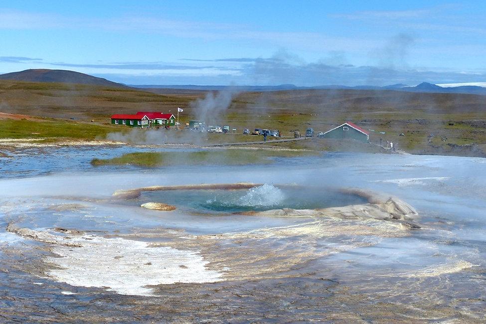 Islande zone géothermique Hveravellir source chaude geyser Graenihver