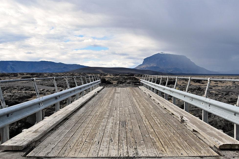 Piste F910 Askja hautes terres Herdubreid Ódádahraun Kreppa rivière river pont bridge