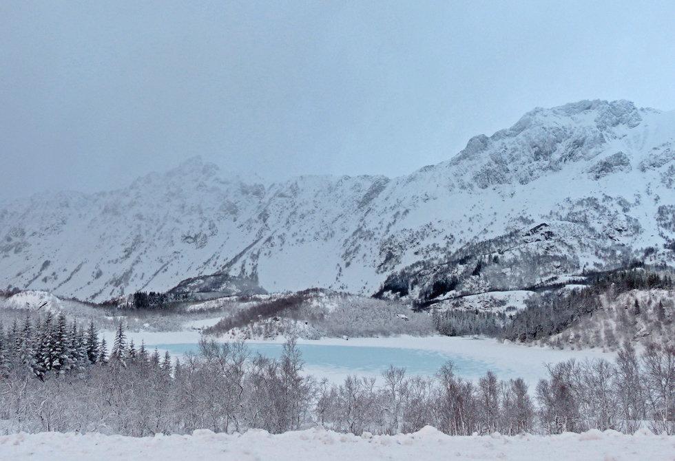 Norvège - hiver - neige - lac gelé