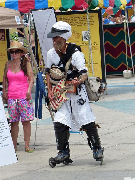 Los Angeles Venice beach ocean front walk guitariste guitare roller