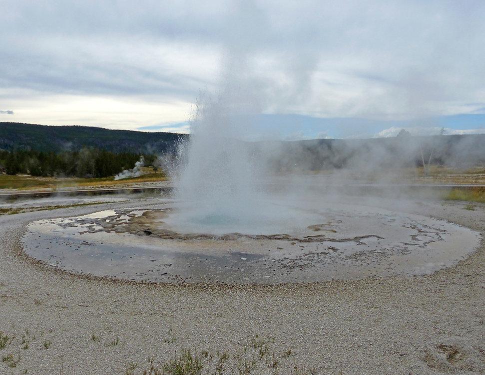 Yellowstone National Park Upper Geyser Basin Sawmill Geyser