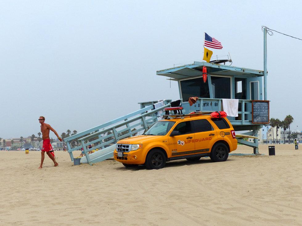 Los Angeles Venice beach lifeguard alerte a maibu