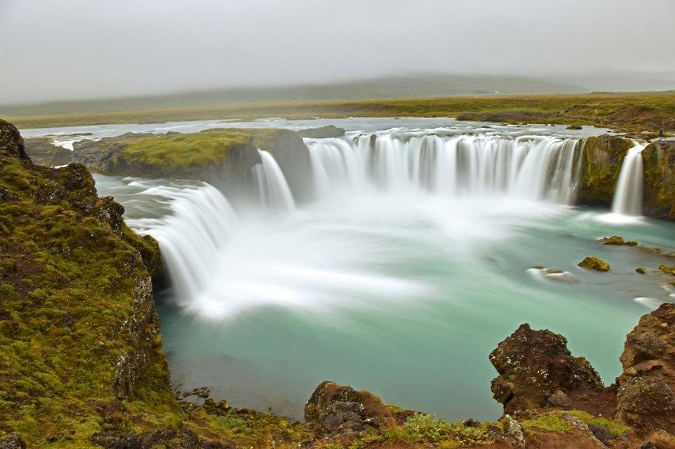 islande iceland cascade rivière bleue godafoss