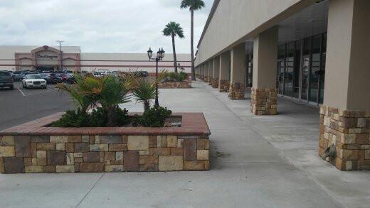 Design of Facade & pedestrian walkway, at North Building, Gateway Shopping center, Laredo,Texas