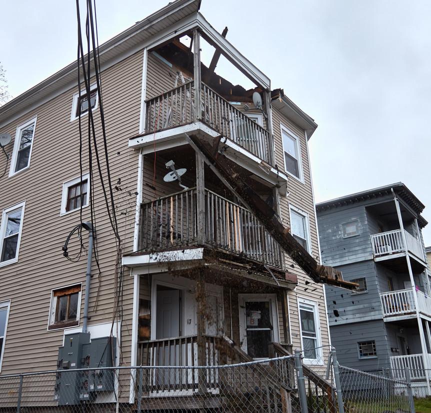 15-17 W Chestnut St - Property Description in Construction