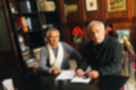 Firma del convenio con el circulo medico