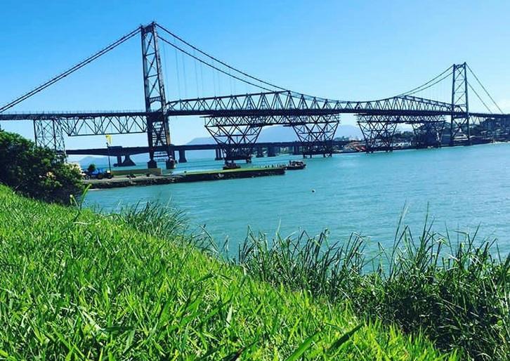 Brasil: sobre discurso, estética e as belezas de Florianópolis, a cidade mais turística do Sul do pa
