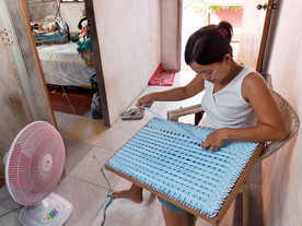 Rags2Riches: Weaving For A Better Future