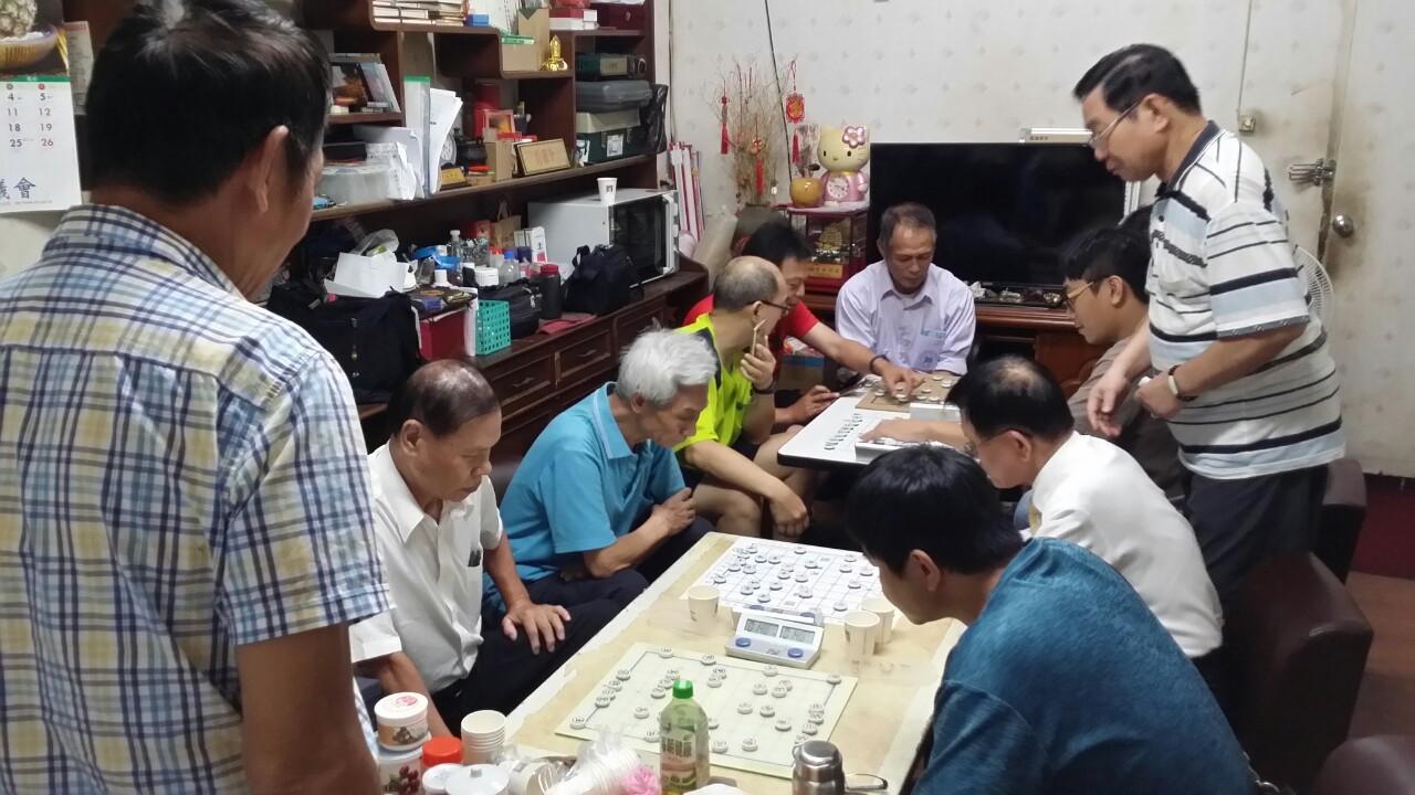 2019106新莊棋會幹部開會下棋會長招待豐盛晚餐_191006_0006
