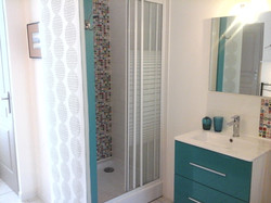 salle de bain bleue
