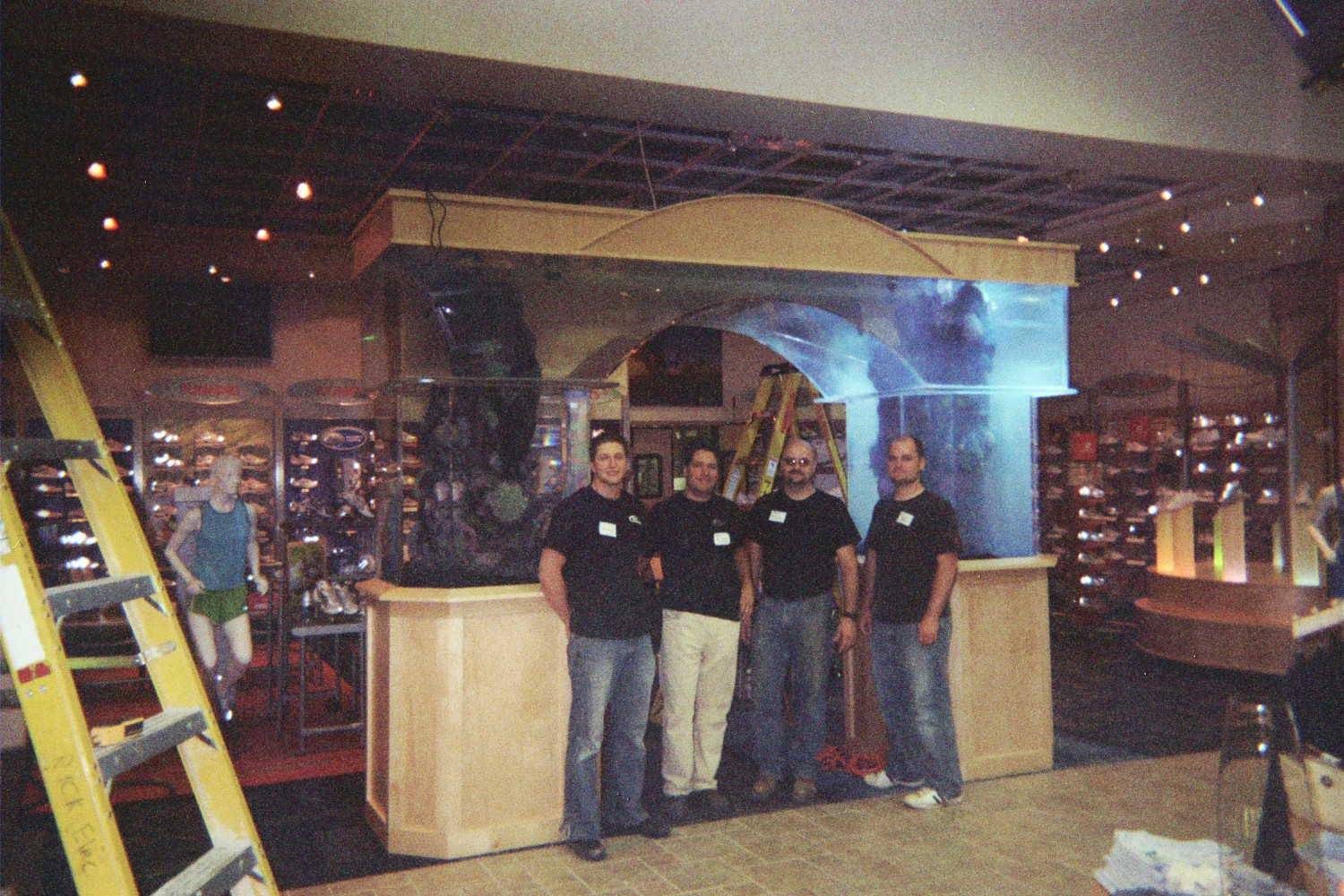 Aquarium Installation Crew