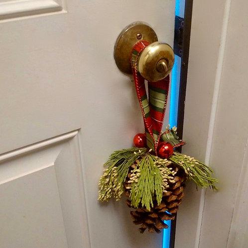 Pinecone Doorknob Hanger
