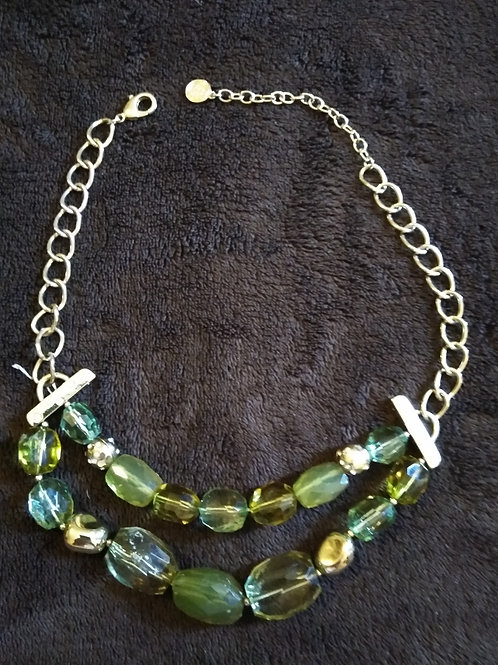 Bold Emerald and Gold Neclace