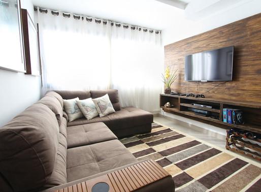 Como tirar manchas do sofá eficazmente?