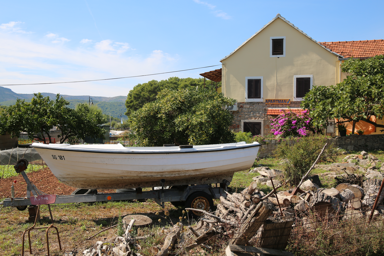 Stari Grad Boat Storage