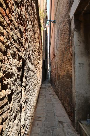 Venice Italy narrow walkway