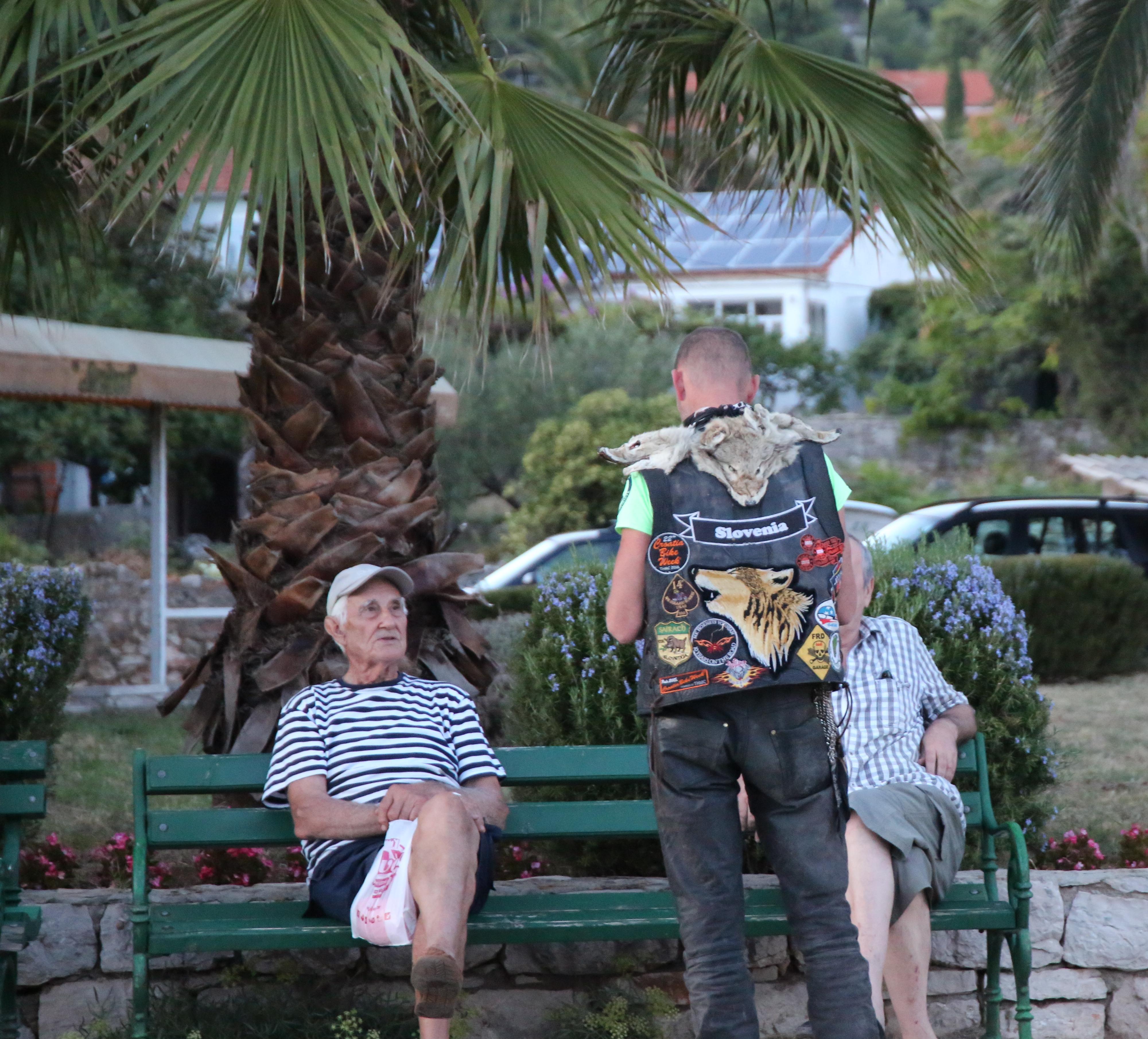 Stari Grad - Sun Riders