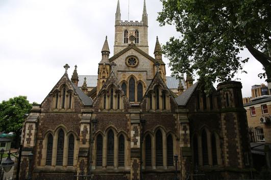 Church next to Borough Market