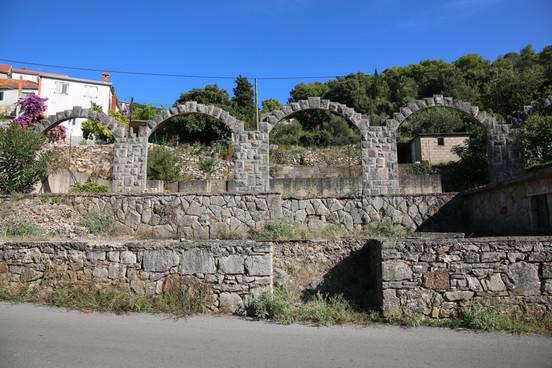Stari Grad - Croatia On the Way To Dol