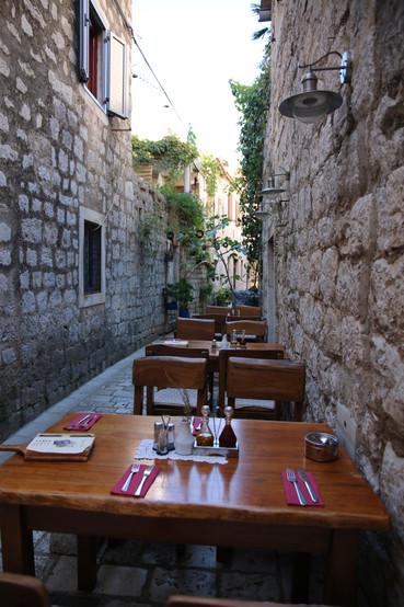 Outdoor dining - Stari Grad