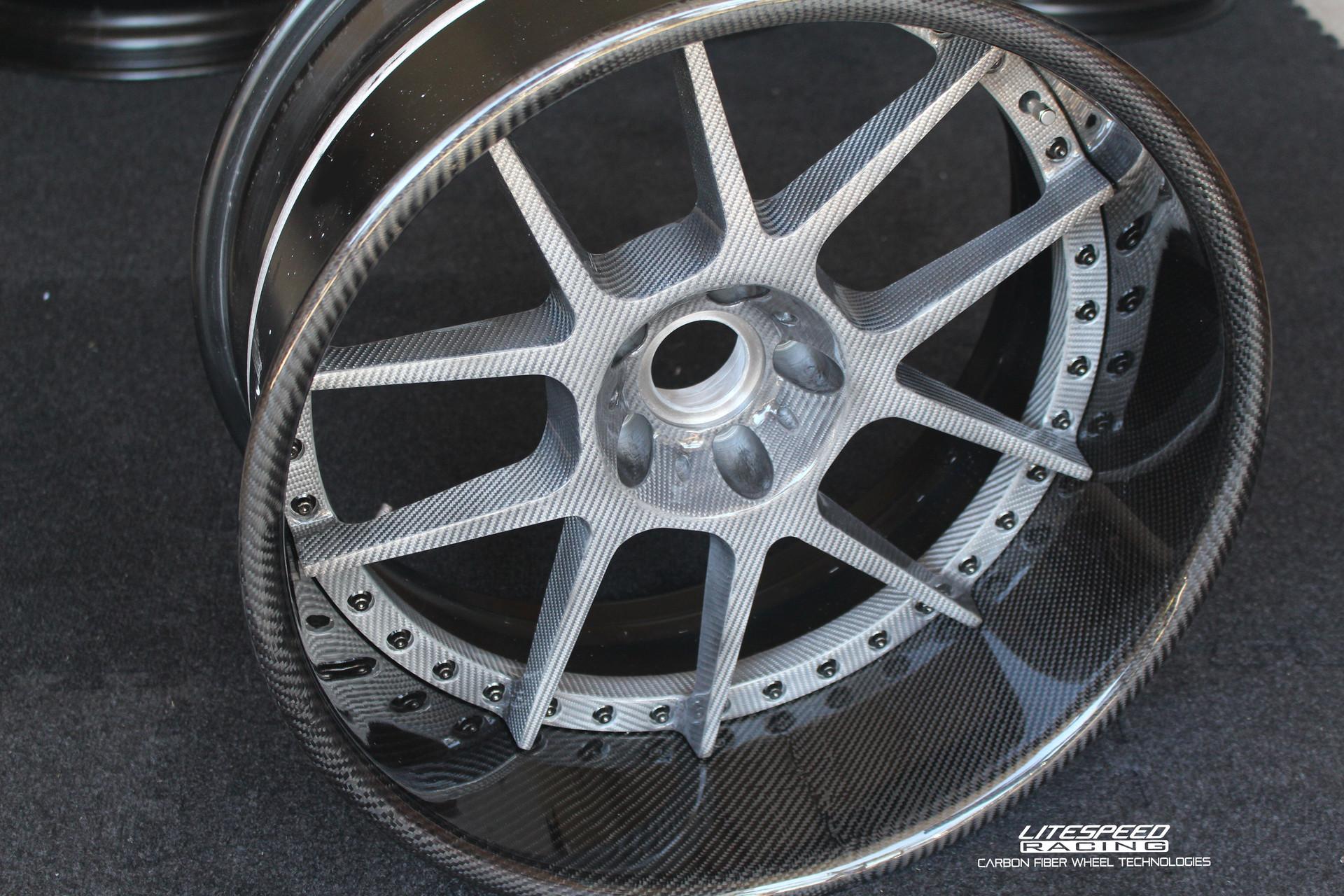 CS5M -3piece silver carbon + black carbo
